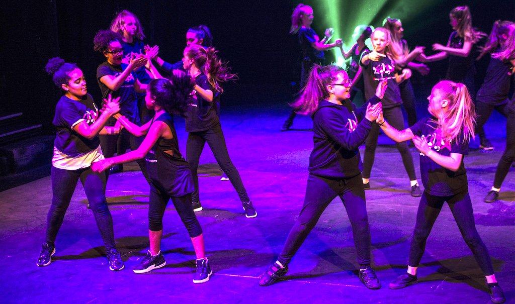 JUNIORS - Ealing Street Dance Academy
